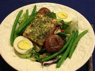 Simple & Elegant Niçoise Salad with Herbed Vinagrette